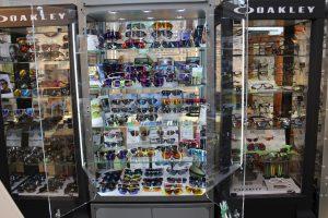 OAKLEY(オークリー)の品揃え岐阜県№1ヤマウチ、新加工機導入でお客様に最高のサングラスを