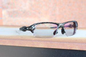 お客様ご注文品OAKLEY(オークリー)FLAK2.0 遠近調光レンズオーダーサングラスのご紹介