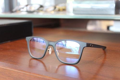 お客様ご注文品 OAKLEY MILESTONE XS  子供用メガネのご紹介