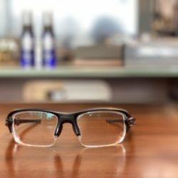 お客様ご注文品 OAKLEY FLAK XS  子供用メガネ×純正レンズのご紹介
